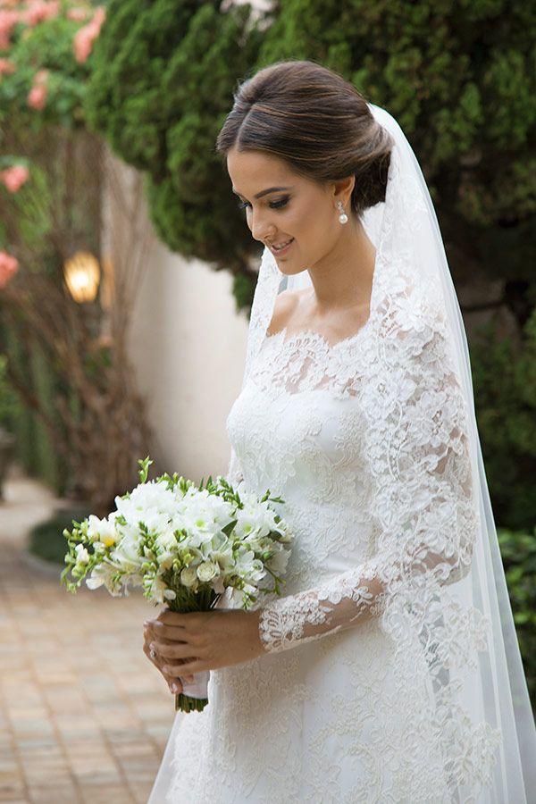 Penteado de noiva - Coque baixo - Casamento clássico ( Foto: Flávia Vitória ) #casamento #noiva #penteado