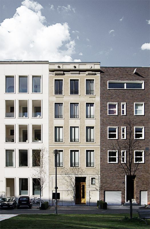 New townhouses at the Caroline von Humboldtweg in Berlin by Meuser Architekten (left), Jordi & Keller Architekten (middle). I like the restrained classicism in many of the designs.  It adds a dignity and timelessness which seems to be appropriate for this part of Berlin. Photo by NOMAA|marco jongmans.