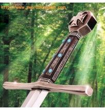 We are presenting the Well-renowned movie sword with unique custom finish. The Robin Hood was a legendary character in the ancient time famous for his rebellious activities and his sympathy to poor. The replica sword we are offering was featured in the Robin Hood 2010 film.