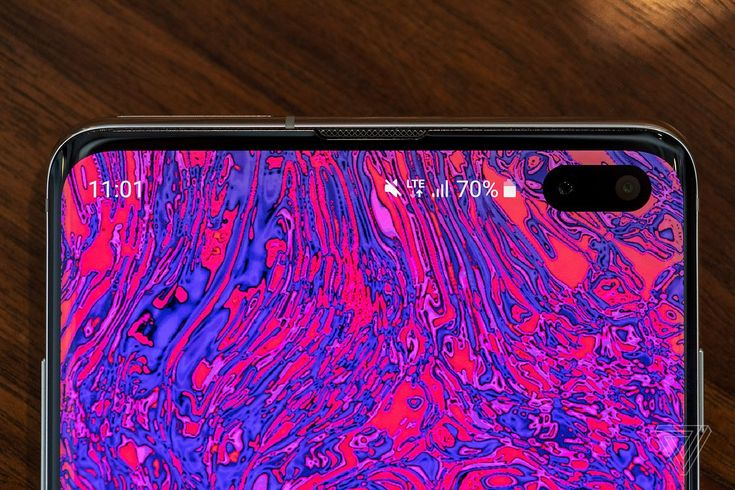 The best part of the Galaxy S10's hole punch is the