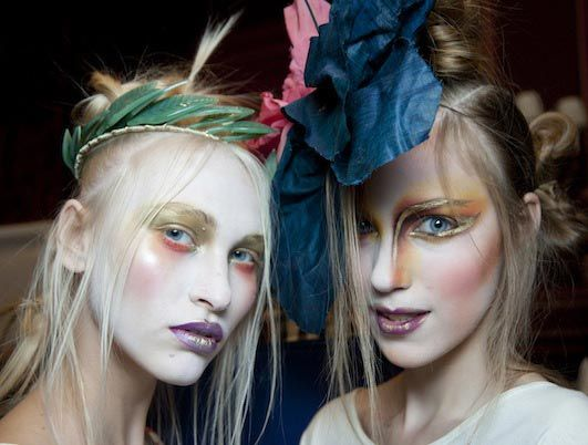 Trend Hairstylel Crazy Halloween Hairstyles To Complete Your Killer Costume!!,You have already fastened your Halloween costume, Worry about hairstyles? Here are some Halloween hairstyles easy and loopy so that you can select.�...