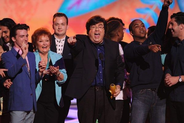Kenan & Kel' Reunite To Honor Dan Schneider At Kids' Choice Awards #KenanThompson #KelMitchel