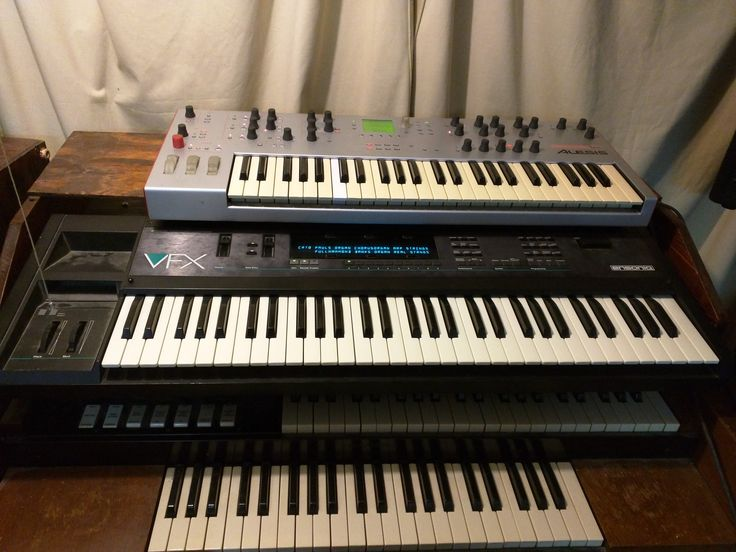 Alesis Ion & Ensoniq VFX sitting atop my beloved Hammond M2. Interestingly, the organ waves in all VFX-series synths come from that very M2.