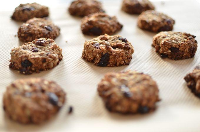 Recept voor havermout koekjes met cranberry, pecan noten en zonnebloempitten.