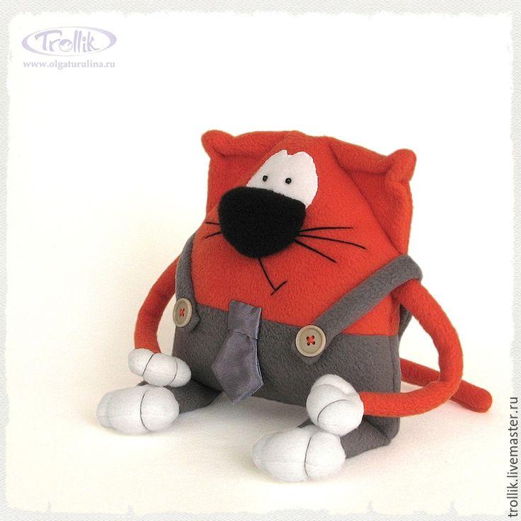 Галантный рыжый кот из флиса. Игрушка-подушка