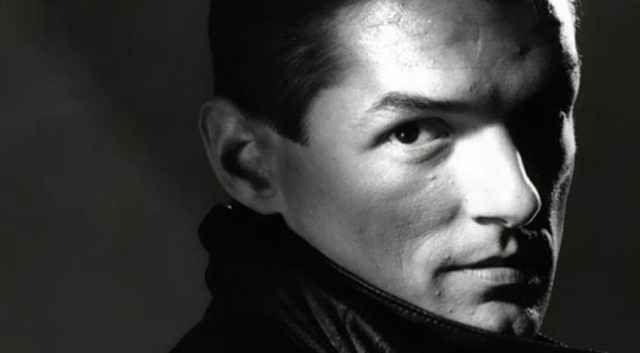 """Il rap moderno? Ringraziamo Falco per averlo portato in europa. Il 1980 è l'anno della svolta. Falco produce 3 LP da solista, con un produttore viennese. Nel 1981 il suo primo singolo """"Der Kommissar"""", raggiunge subito la vetta delle classifiche di molti Paesi e"""