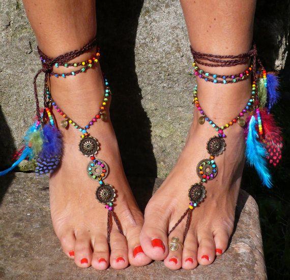 Arcobaleno MANDALA a piedi nudi sandali piede gioielli hippie sandali punta cavigliera perline uncinetto a piedi nudi sandali tribali piuma festival yoga nozze