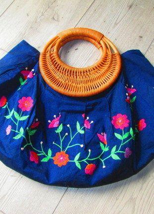 Kup mój przedmiot na #vintedpl http://www.vinted.pl/damskie-torby/torby-do-reki/17953664-torebka-ludowe-wzory-niebieska-kwiaty-handmade