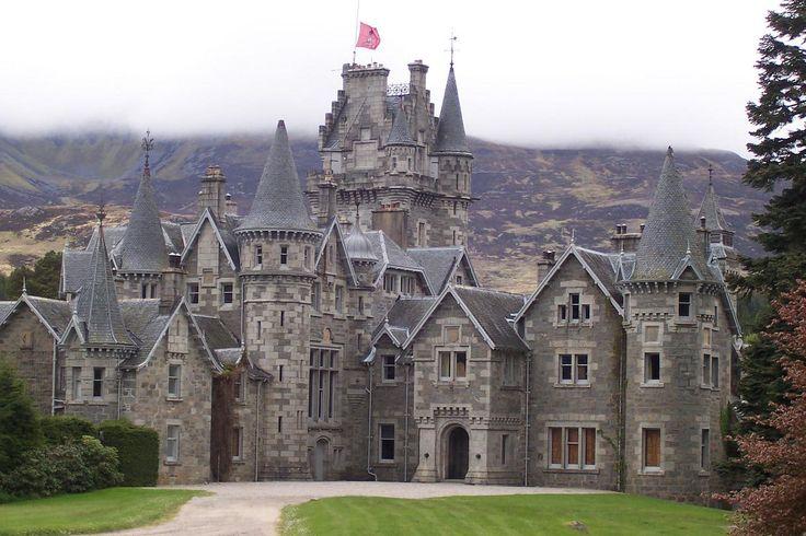 Ardverikie House Glenbogle Castle In Loch Laggan
