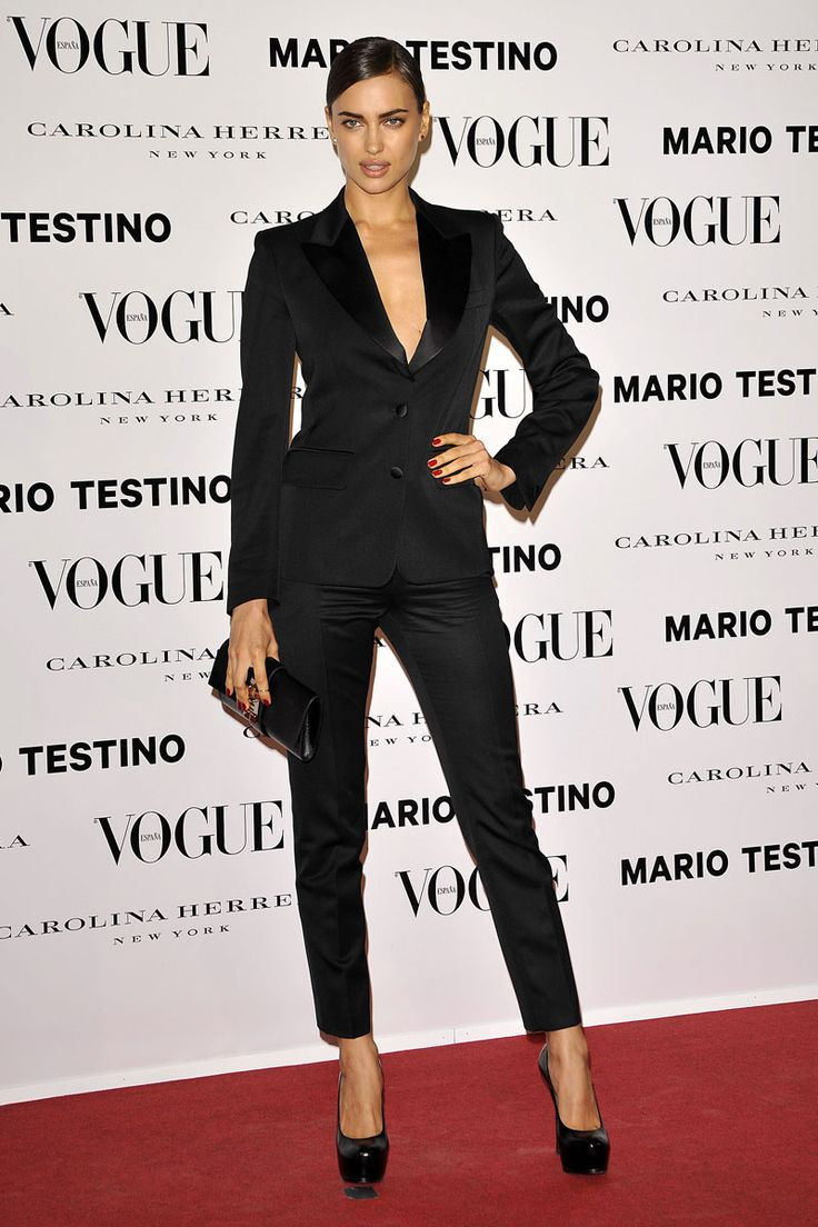 Todas las fotos de la alfombra roja de la fiesta Mario Testino y Vogue: Irina Shayk de Yves Saint Laurent