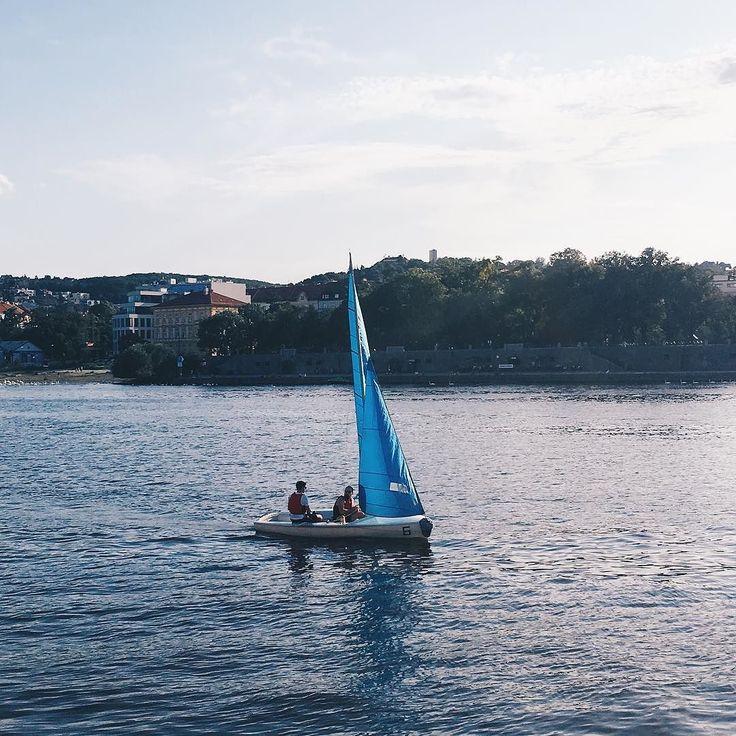 We often say that the only thing Prague is missing is a beach but the river Vltava is pretty cool too!- - - - - - - - - - - - - - - - - - - - #prague #praha #praga #czech #czechia #czechrepublic #bulgarian #europe #vltava #naplavka #travel #travels #traveler #traveling #travelgram #boat #sailing #sail #beach #riverside #kyliejenner #selenagomez #beach #tuesday #lifestyleblogger #travelblogger