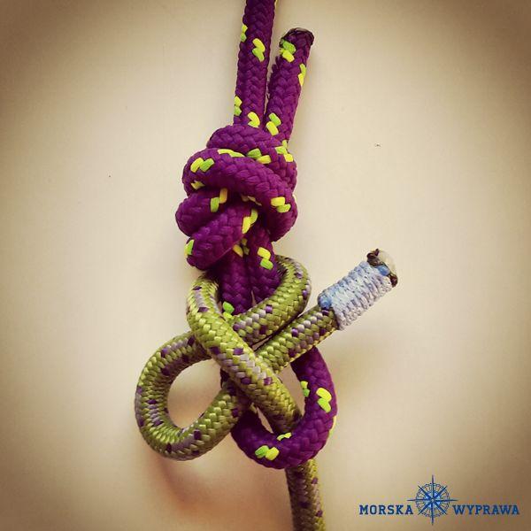 węzły żeglarskie - flagowy - służy do łączenia dwóch lin lub liny z kauszą, szybki do rozwiązania