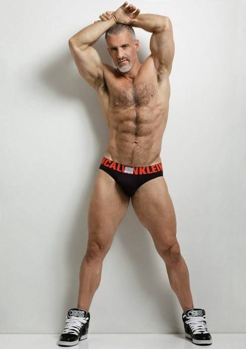 cerco gey salerno ragazzi gay muscolosi