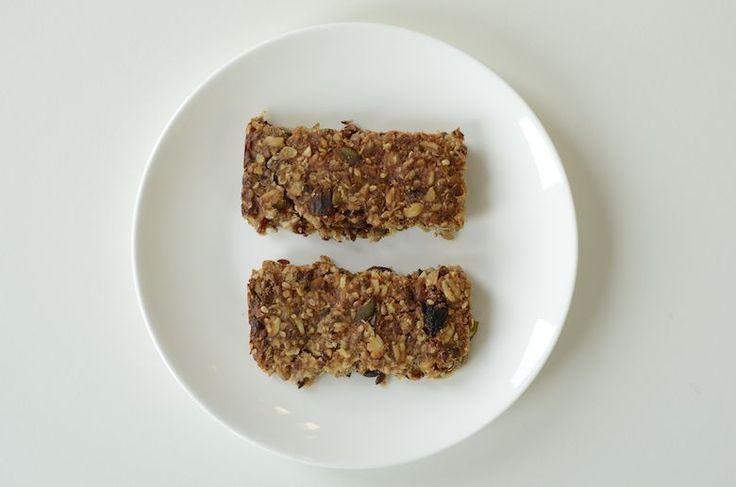 Gezond tussendoortje - zelfgemaakte suikervrije mueslirepen