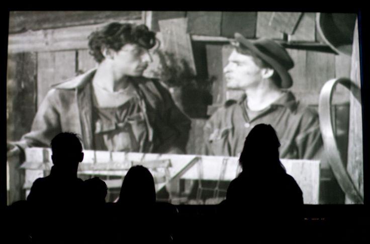 Miércoles, 4 de Septiembre 2013. Proyección de la película Los Olvidados de Luis Buñuel en el Foro del Faro de Oriente de la Ciudad de Mexico. Foto: Antonio Nava/Secretaria de Cultura