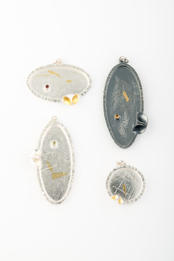 Sadie Wang, American Craft Charm Collection, ACC Charms #accshow #acccharm #charms #jewelry #finejewelry #finecraft