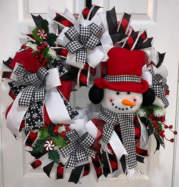 Snowman Christmas Wreath Black And White Check And Red Wreath Christmas Decor Wreath Farmhouse Style Christmas Wreath Front Door Decor With Images Christmas Wreaths Christmas Decorations Winter Door Decorations