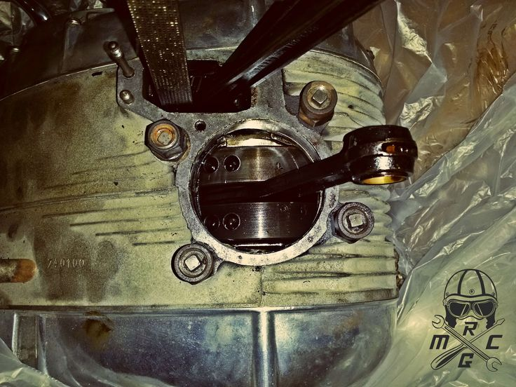 The sad moment we discovered that it is consuming oil like crazy! #NSU #motorcycle #Restoration