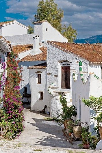 Los Castillejos, Andalucia #Online #Spanish courses to prepare for the holiday…