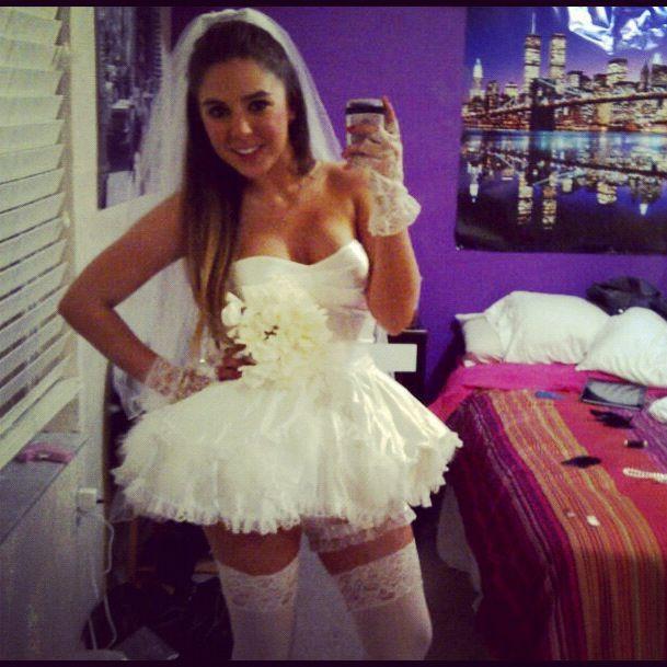 Sexy bride costume Halloween 2021