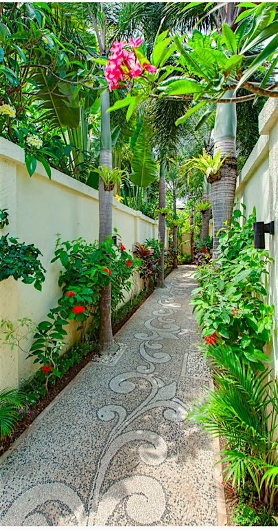 ... Lead me up the garden path ... Beyond Villas Bali has a selection of…