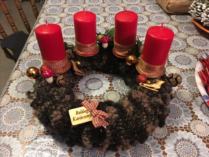 Adventi koszorú I. (Adventwreath I.) #advent #adventwreath #koszorú #kötés #knitting #knittedbase #christmastime #karácsony