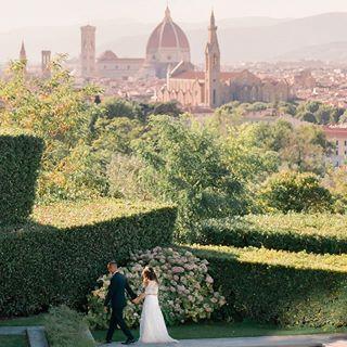 Villa La Vedetta, Florence, Italy Destination Wedding | La Rosa Canina Firenze Florals | photo: ARTIESE