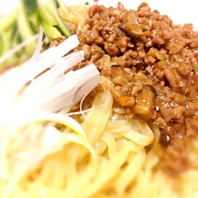 スーパーで売ってる麺心屋の生麺が、安いのにめっちゃ美味しいです。 - 4件のもぐもぐ - ジャージャー麺 by jun109