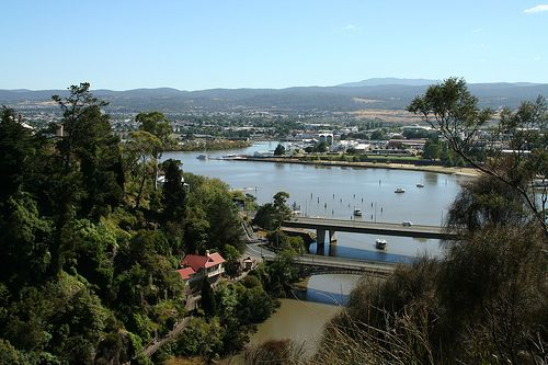 Launceston (Tasmania), - Cataract Gorge, Looking towards the city