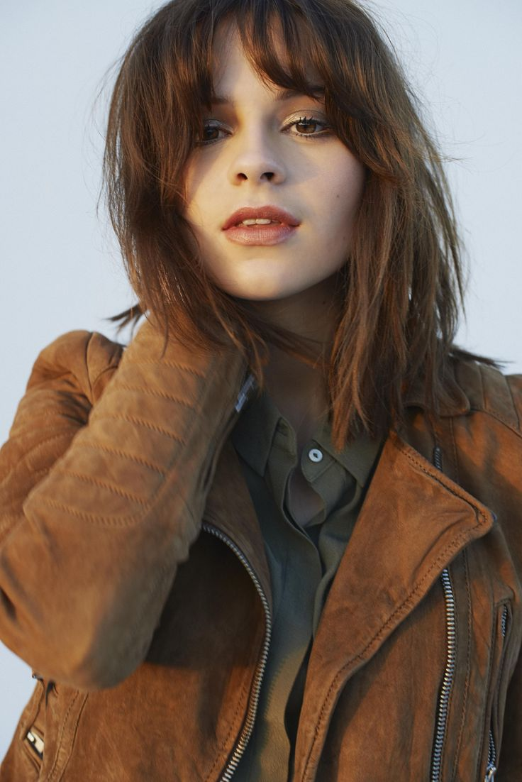 Gabrielle Aplin is one of my new favorite artists! And surprise, surprise! She's British. Hahahahah