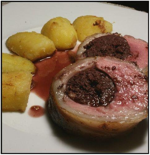 Agneau farci au boudin noir, sauce au vin express | Chez Becky et Liz, blog de cuisine anglaise