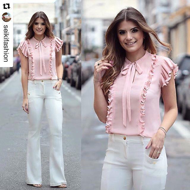 #Repost @seikifashion (via @repostapp) ・・・ Mais uma escolha da @arianecanovas: Flare + Blusa de babando e lacinho, muito amor por este look! #arianecanovas #ootd #inspiração Referências: Blusa 320259 Calça 350210 #atacado #bomretironamoda