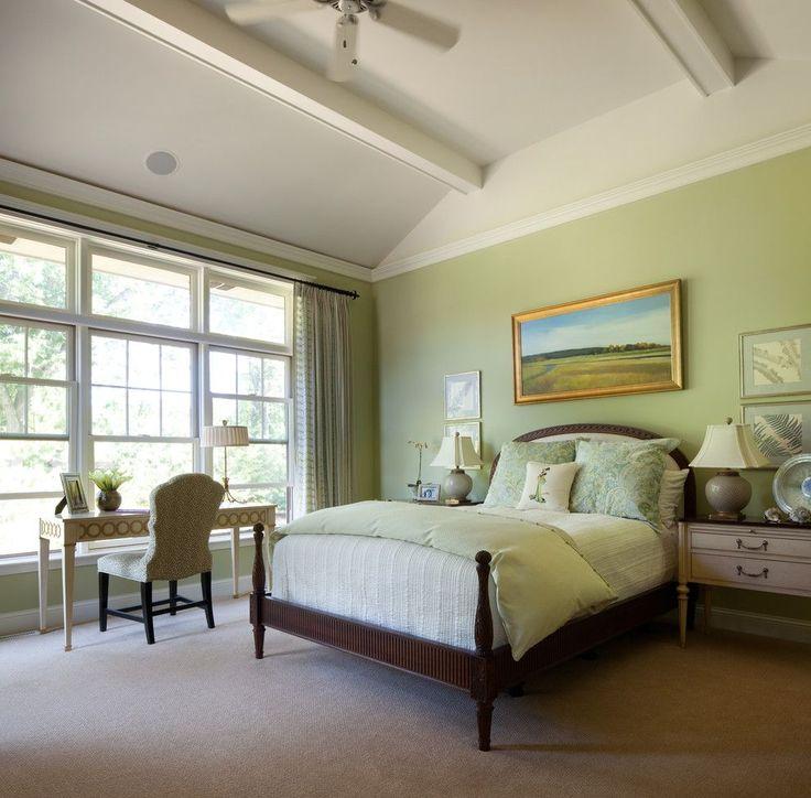 Зеленые обои в интерьере: как придать пространству свежести и 50+ лучших сочетаний http://happymodern.ru/zelenye-oboi-v-interere-55-foto-kak-sdelat-komnatu-uyutnoj/ Спальня в стиле прованс, оформленная натуральными материалами мягких пастельных оттенков