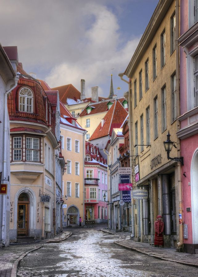 Pikk Street is the longest and one of the most beautiful street of Tallinn, Estonia >> Back in Time #ExpediaWanderlust