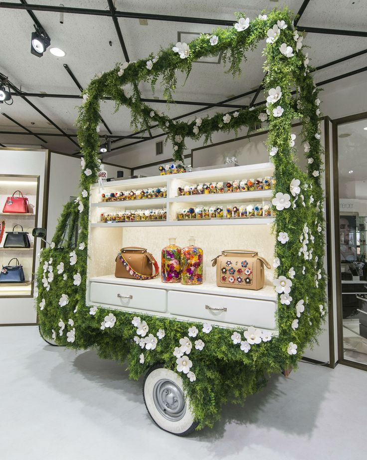 Spring has arrived early at our cute and fun Fendi Flowerland pop-up store inside Isetan Shinjuku, Tokyo.