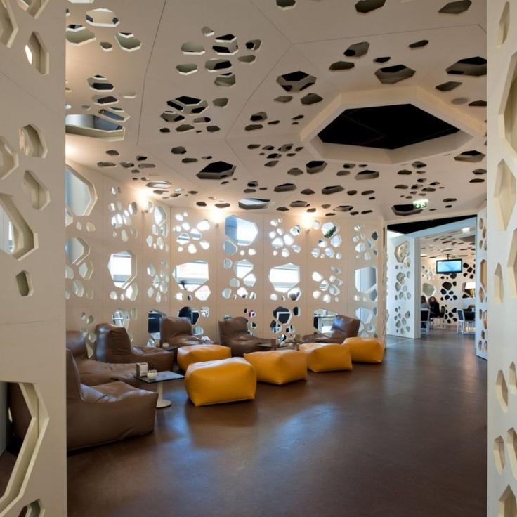https://i.pinimg.com/736x/f4/43/20/f443200abd1b3b087c96f97ea94051c4--coffee-shop-interiors-braga-portugal.jpg
