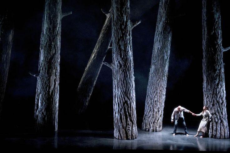 Dmitri Tcherniakov / Scenography / Rimski-Korsakov / The legend Of The Invisable City Of Kitesj / Amsterdam Opera