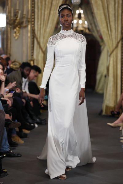 Vestidos de novia cuello cisne 2017: Déjate seducir por su elegancia en tu gran día Image: 4