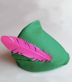 Peter Pan Hat! DIY, very easy made with a felt and a feather! itsaLisa.com