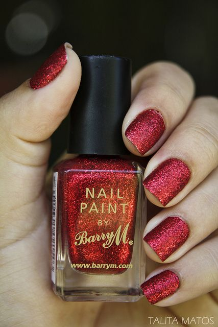 Red glitter nails #valentinesday