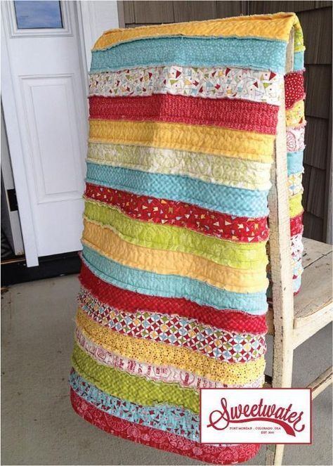 The easiest thing to do with a jelly roll! No quilting required- you quilt as you sew both the front and the back together. #Quilting #Pattern