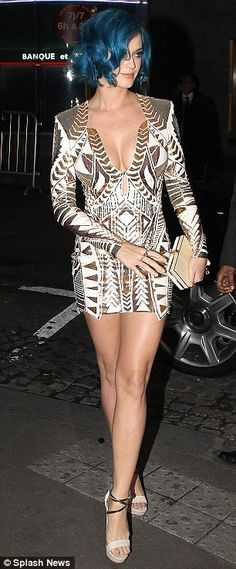 Love this gold dress