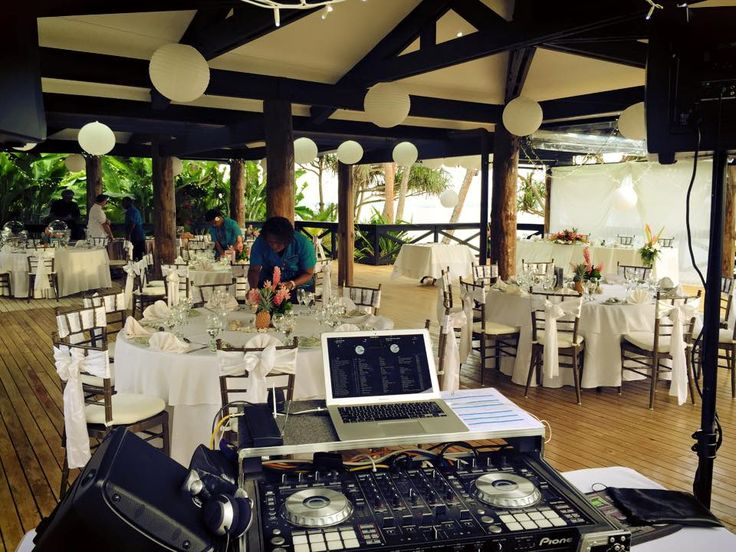 Reception set up at The Warwick Fiji for Jessica & Ryans wedding Photography by Ranjit Raju