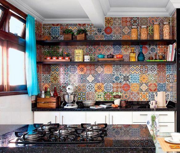 #kitchen #backsplash  #bohemian #tiles adelaparvu.com despre bucatarii mici, bucatarii colorate (7)
