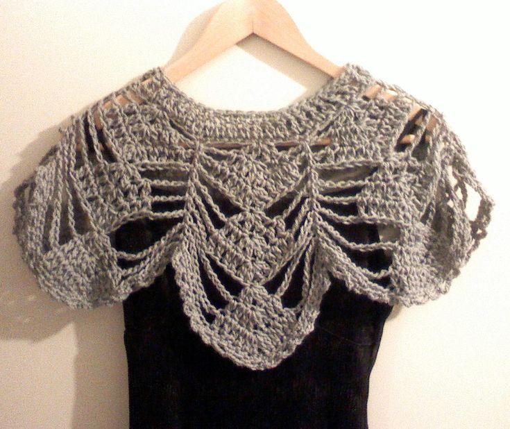 Manualidades y México: Mini Capa en Crochet color gris -chalecito cubrehombros- muy fácil de tejer