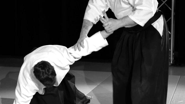 Beginnerscursus SJOK Les 4 - Nikyo  Ikkyo is een oefening waarbij uke vanaf de voorkant uit balans wordt gebracht en gecontroleer. Nikyo is een oefening die volgt op ikkyo. De controle komt tot stand via de pols.