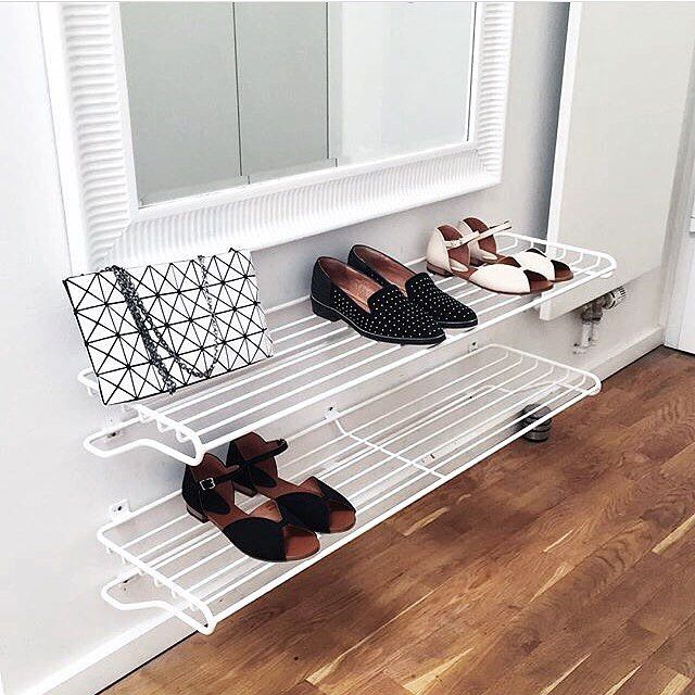 The gorgeous hallway of @myscandinavia where our Shoe shelves are mounted! Love the sophisticated look  #mazeinterior #interior #interior4all #interiordesign #shoes #shoeshelf #hallway #wire #scandinaviandesign #madeinsweden #shoelover #inspiration #inredning #skandinaviskehjem