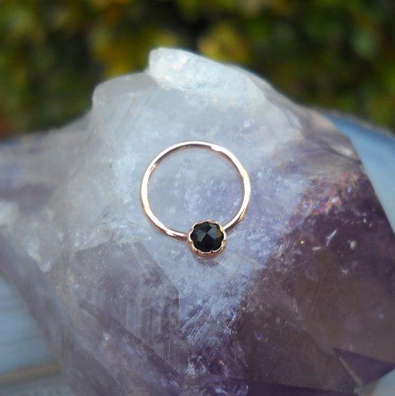 les 25 meilleures id es de la cat gorie anneau de septum sur pinterest anneau de nez en or. Black Bedroom Furniture Sets. Home Design Ideas