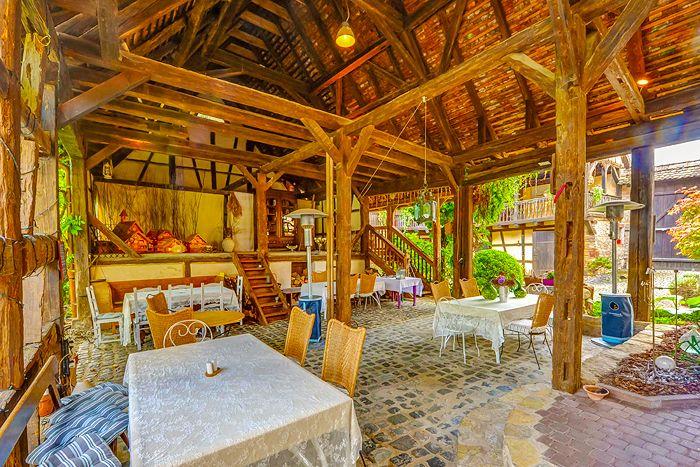 La Cour De Lise Luxury Guesthouse And Gastronomic Restaurant In Alsace Maison Alsacienne Chambre Hote Charme Hotels De Luxe
