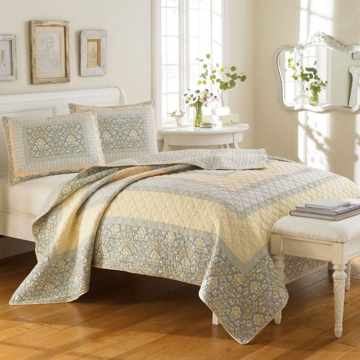 Twin Quilt Laura Ashley Yellow Pale Blue Periwinkle Floral